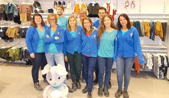 De ploeg van Dreambaby Kuurne kijkt uit naar de start in de volledig vernieuwde winkel, na de brand van eind september.