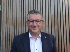 Burgemeester van Brugge ziet het leven voortaan door een nieuwe bril...in blauw en zwart