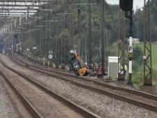 Gekanteld trekkertje ligt op het spoor, geen treinen tussen Meppel en Steenwijk