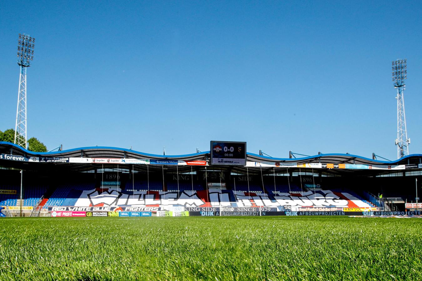 Het Koning Willem II Stadion.