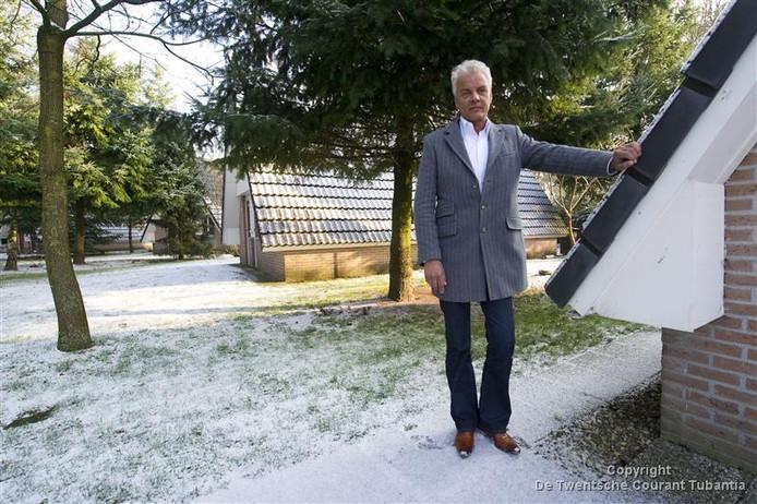 Directeur Hans Evers van uitzendbureau Marquette vestigt in Vriezenveen een pension voor Poolse gastarbeiders.