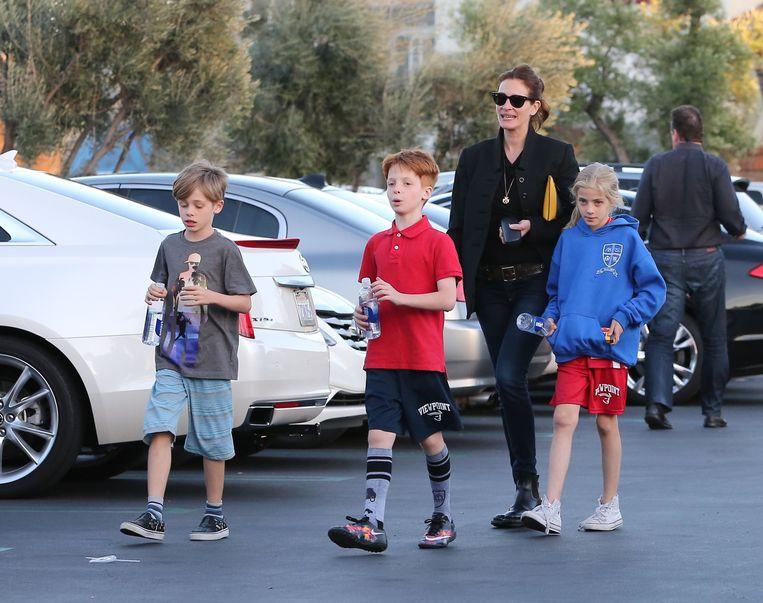 Julia Roberts en haar drie kinderen: tweeling Hazel en Henry en  jongere broer Phinneus.