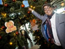 Jörgen Raymann helemaal verzot op eigen kerstdorp