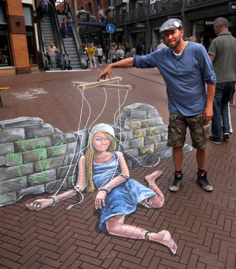 Bezoekers kunnen flink aan de slag op The Big Draw Festival