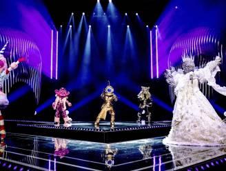 De Masked Singers knallen tijdens 'One Way Or Another'