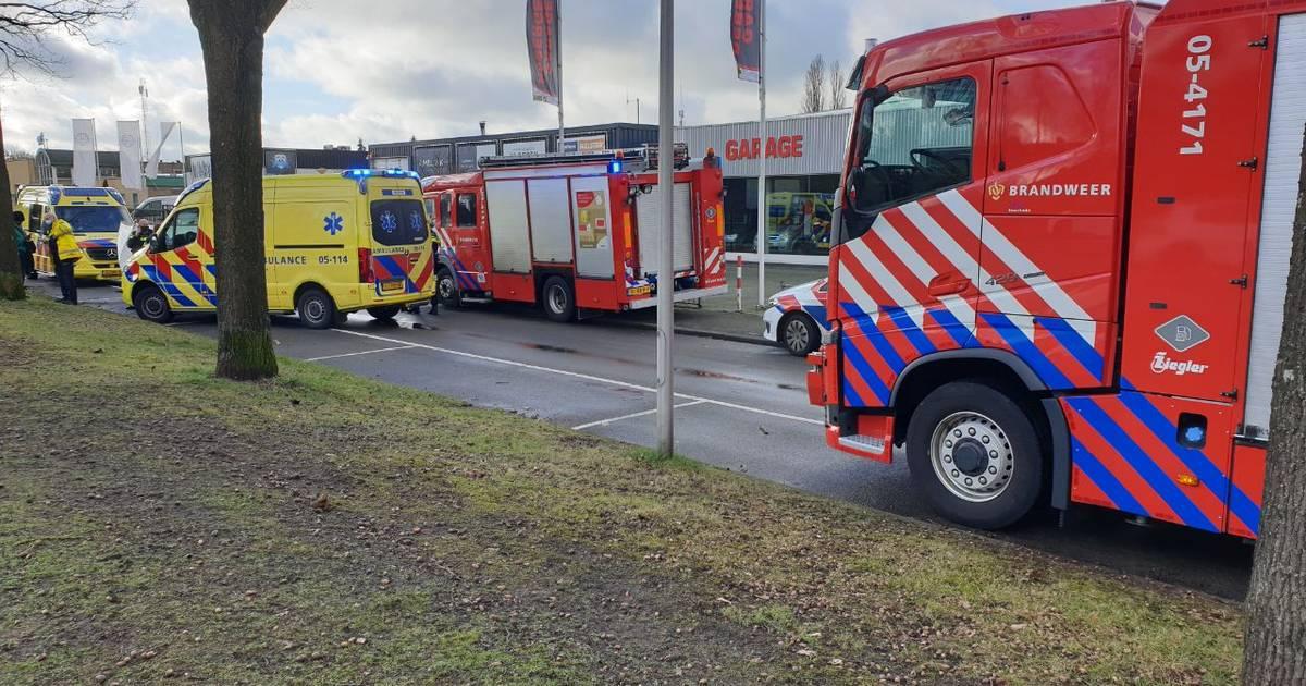 Man gereanimeerd in Enschede na auto-ongeluk.