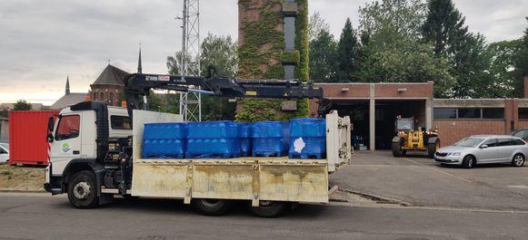Water voor bedeling staat klaar aan brandweerkazerne Overijse