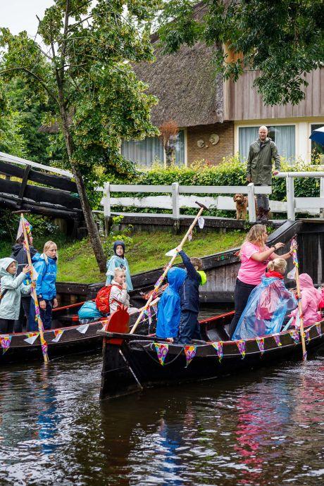 Geen zang, wel pret voor tien bij Kindereiland Giethoorn