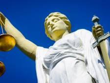 Vijftien maanden cel voor beroving jarige Duitser in Volkspark