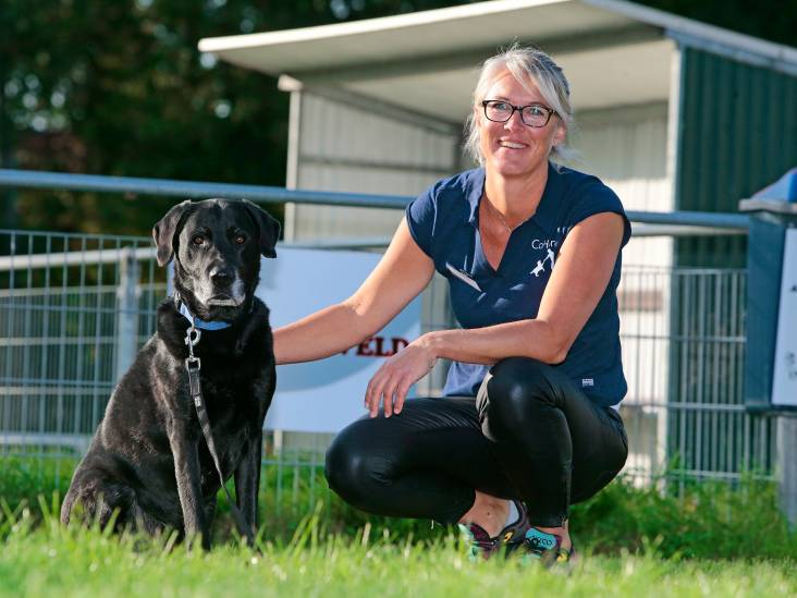 Hond helpt depressieve jongeren: 'Sommigen verkrampen bij psycholoog, met hond hoef je niet te praten