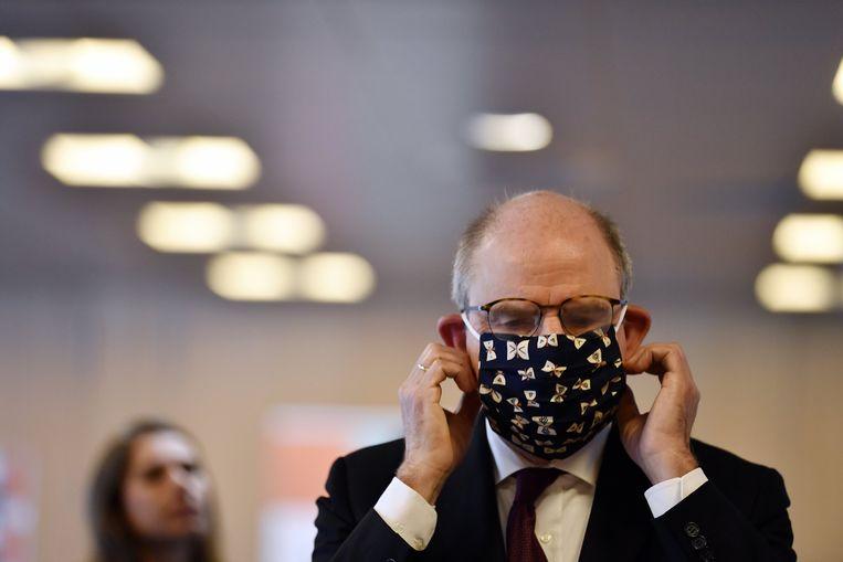 Minister Koen Geens (CD&V) testte vorige week een mondmasker uit.