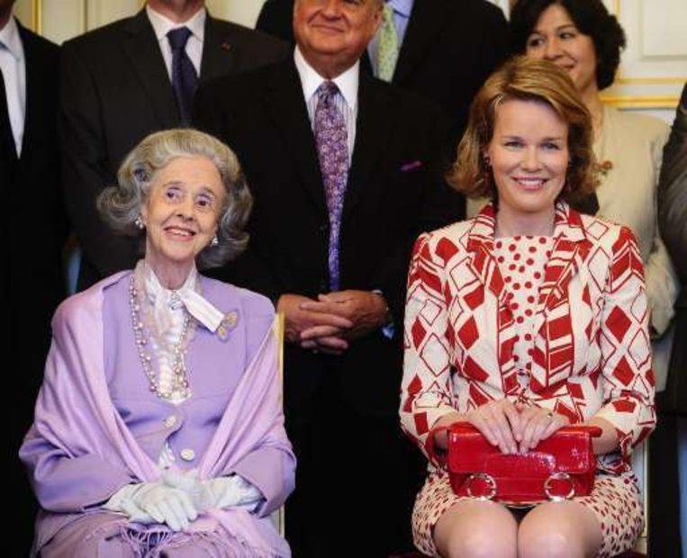 Koningin Fabiola en prinses Mathilde.