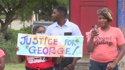 """""""Geweld lost niets op"""": kinderen George Floyd doen oproep"""