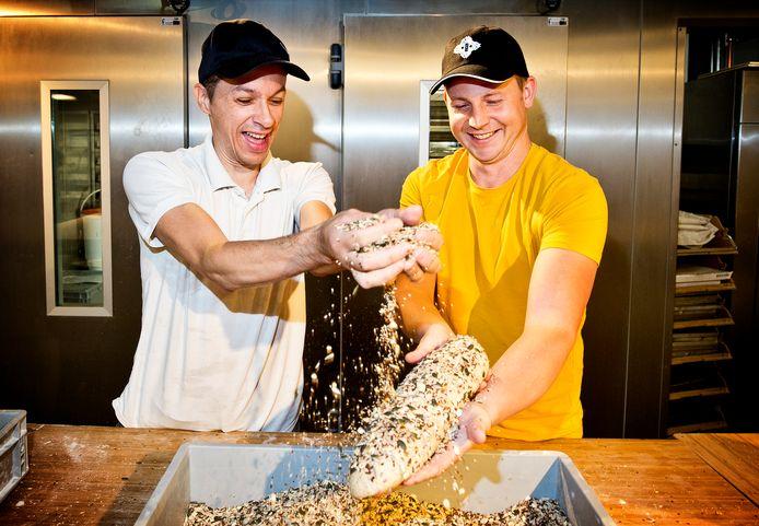 Jasper Kool (rechts) is oprichter van Happy Tosti en medeoprichter van Broodbrouwers. Binnen het bedrijf werken mensen met een afstand tot de arbeidsmarkt.