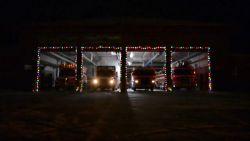 Canadese brandweer zorgt voor origineel kerstspektakel