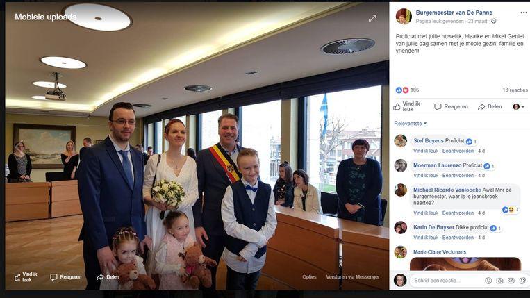 Op 24 maart verscheen deze foto dan op de Facebookpagina van de burgemeester