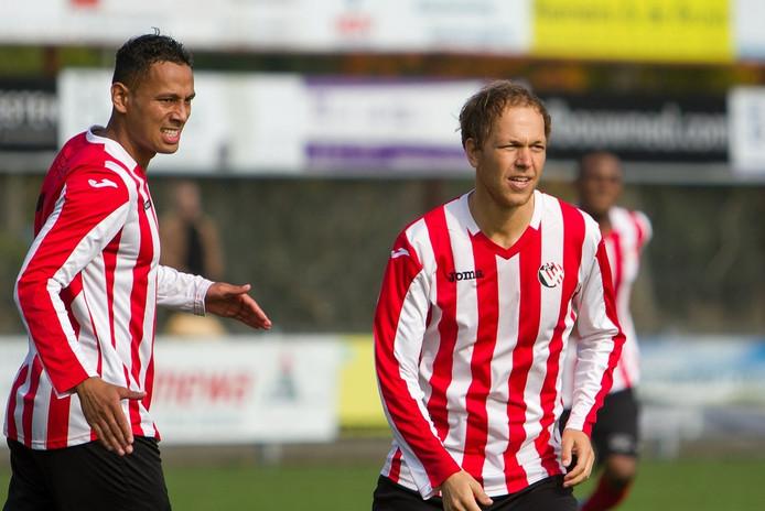 Etienne Mallie (rechts) en Josimar Pattinama spelen komend seizoen weer samen bij VC Vlissingen.