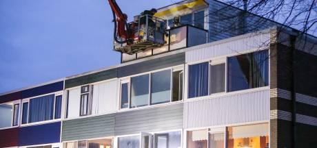 Jongetje (2) met vader van balkon gered in Apeldoorn: 'Gelukkig leven we nog'