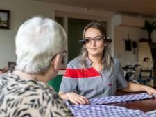 Zijn deze slimme brillen de oplossing voor personeelstekort in de zorg in coronatijd?