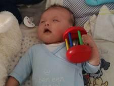 Na steun van onder andere Wesley en Yolanthe kan baby Miguel geopereerd worden
