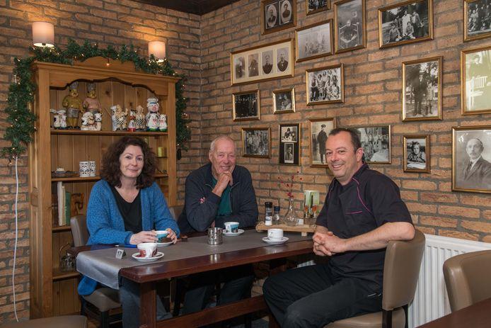 Restaurant Joris in Nunspeet wordt tegenwoordig gerund door broer en zus Ada (l) en Pedro (r) Bruijnes . Ruud Thonhauer (m) is de oorspronkelijke oprichter en pandeigenaar.