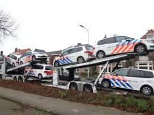 Lading politiewagens bezorgd bij het bureau in Tiel