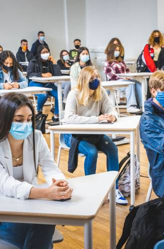"""Mogelijk na kerstvakantie al sneltesten in alle scholen: """"Maar wie negatief test, moet toch in quarantaine"""""""