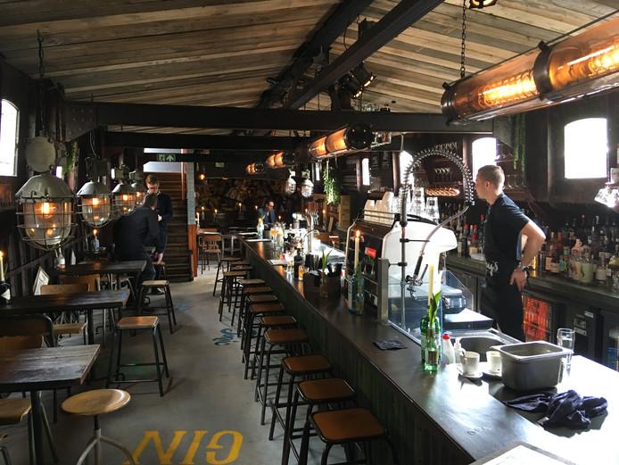 De bar van Bobby's Boat