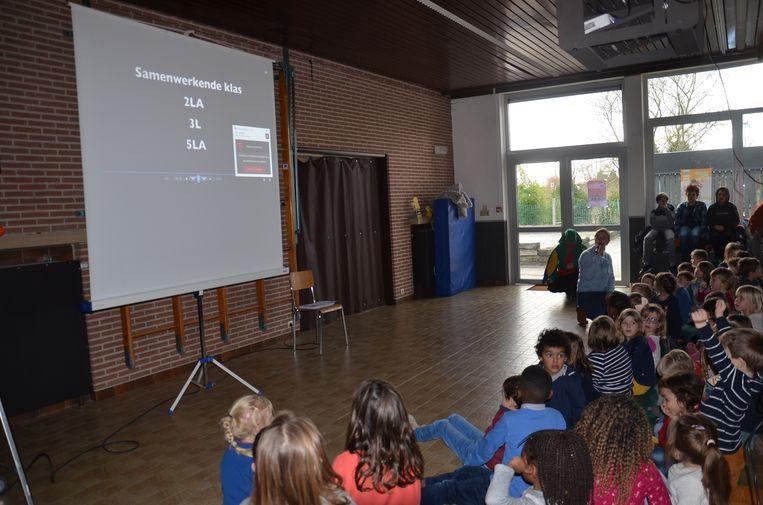 De aftrap van het antipest-project in de VBS Welle:  de genomineerde klassen worden bekendgemaakt.