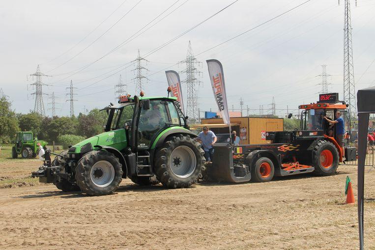 Het tractor pulling evenement in Izegem had heel wat bekijks.