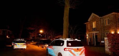Inbraakalarmen gaan af in villa in Vught, politie vermoedt dat inbreker nog binnen is en omsingelt buurt