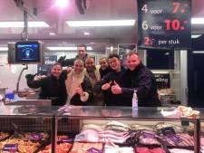 Frans Bauer en rapper Donnie nemen op de markt in Breukelen hun videoclip op