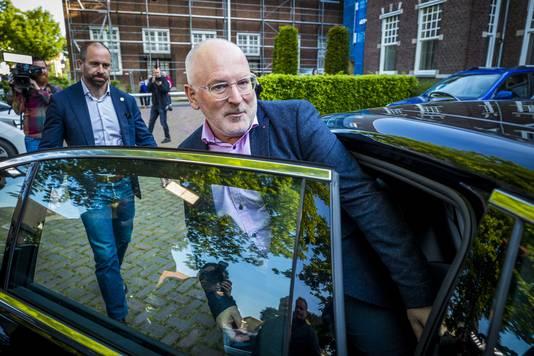 Frans Timmermans, topkandidaat van de Europese sociaaldemocraten, na het uitbrengen van zijn stem voor de Europese verkiezingen op het stembureau in het Bernardinuscollege.