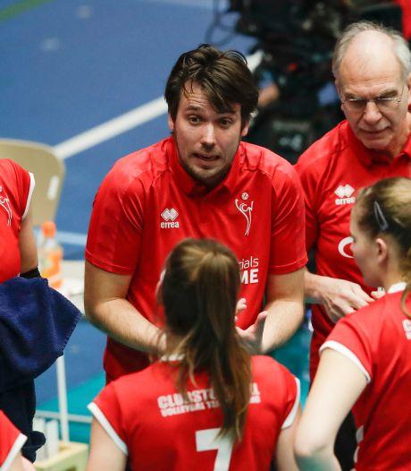 Volleybalcoach Munter gaat bij de bond onder Avital Selinger werken