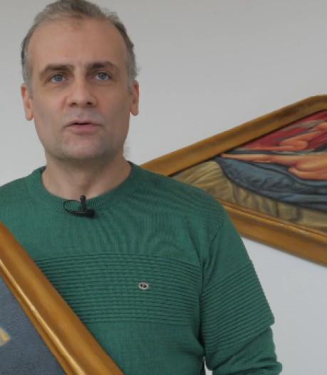 Deze Iraanse kunstenaar schildert bijzondere kunstwerken in het azc in Assen