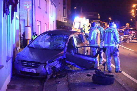 In december vorig jaar knalde een wagen nog tegen de gevel van café De Welkom op de Waversesteenweg in Tombeek. De omwonenden zijn de vele ongevallen beu.