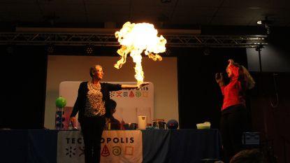 Technopolis verbaast de jeugd met verrassende, wetenschappelijke proeven