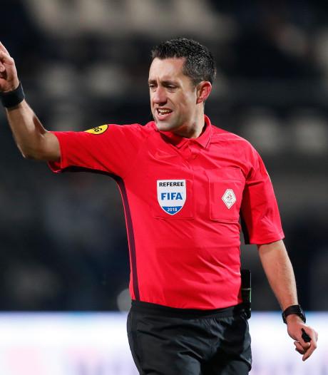 Dennis Higler fluit PSV - FC Groningen, Nijhuis videoscheidsrechter