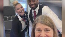 Deze vrouw is de enige passagier op een vliegtuig