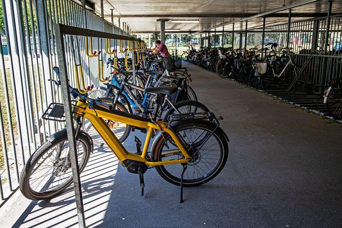 Ook uit de fietsenstalling voor medewerkers bij het Nijmeegse CWZ verdwijnen recent veel fietsen. Het ziekenhuis heeft inmiddels extra beveiligingsmaatregelen getroffen tegen diefstal.