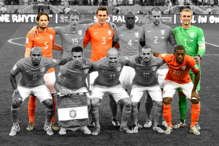 Nederlandse elftal in halve finale van WK 2014: alleen Daley Blind, Stefan de Vrij, Jasper Cillessen en Georginio Wijnaldum blijven over.