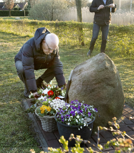 Sobere herdenking bij Fostermonument in Neede