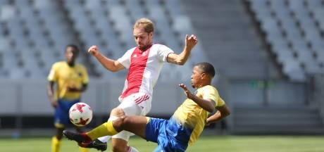 Ruime zege houdt Bakx en Ajax Cape Town in de race voor promotie
