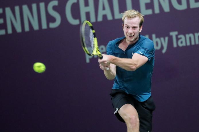 Botic van de Zandschulp in actie op het Challenger-toernooi in Hamburg dat hij onlangs op zijn naam schreef.