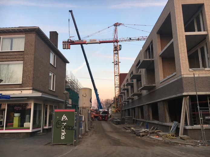 De bouw voor Boulevard-Zuid Heezerweg gezien vanaf de Korianderstraat.