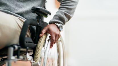 """Man in rolstoel op luchthaven betrapt met kilo coke in onderbroek: """"Moest drugs smokkelen, anders werd mijn zoon vermoord"""""""