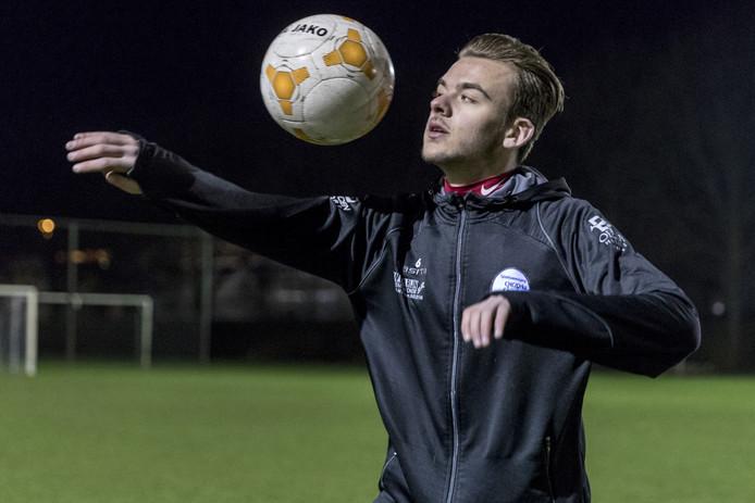 Nederland, Den Bosch, speler van het eerste van voetbalclub CHC, Raoel Noijen