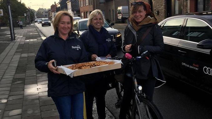Fietsers krijgen fietslichtje en wafel