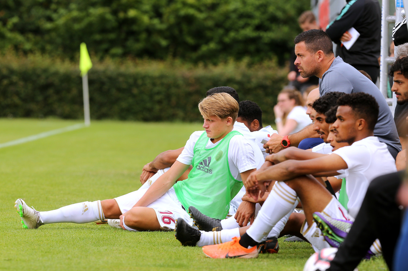 Sem Steijn mag tot de laatste administratieve plooien zijn gladgestreken nog niet spelen voor zijn nieuwe club Al-Wahda, waardoor hij tegen zijn Haagse maatjes niet in actie kwam.