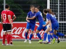 Voetbalsters FC Twente winnen in blessuretijd van PSV en pakken landstitel